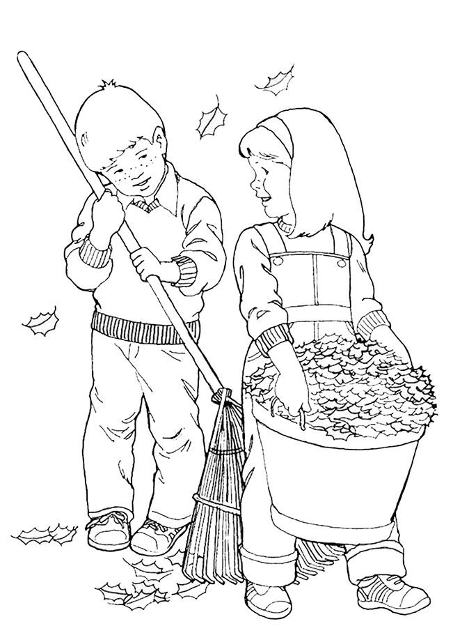 Ein Junge und ein MädchenSammeln von Laub